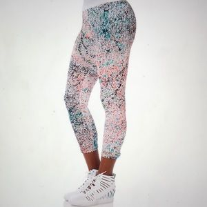 Nike Lava Glow (paint splatter) Crop Legging